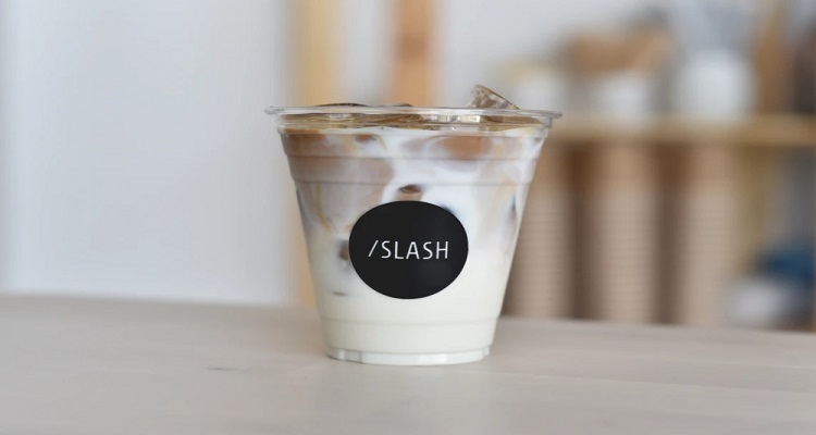 Gelas Kopi Plastik Untuk Pemesanan Es Kopi Take Away
